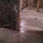 dalle béton dans une cave